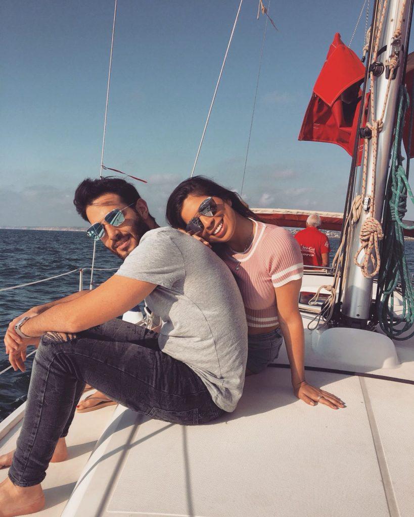זוג אוהבים על מפרשית