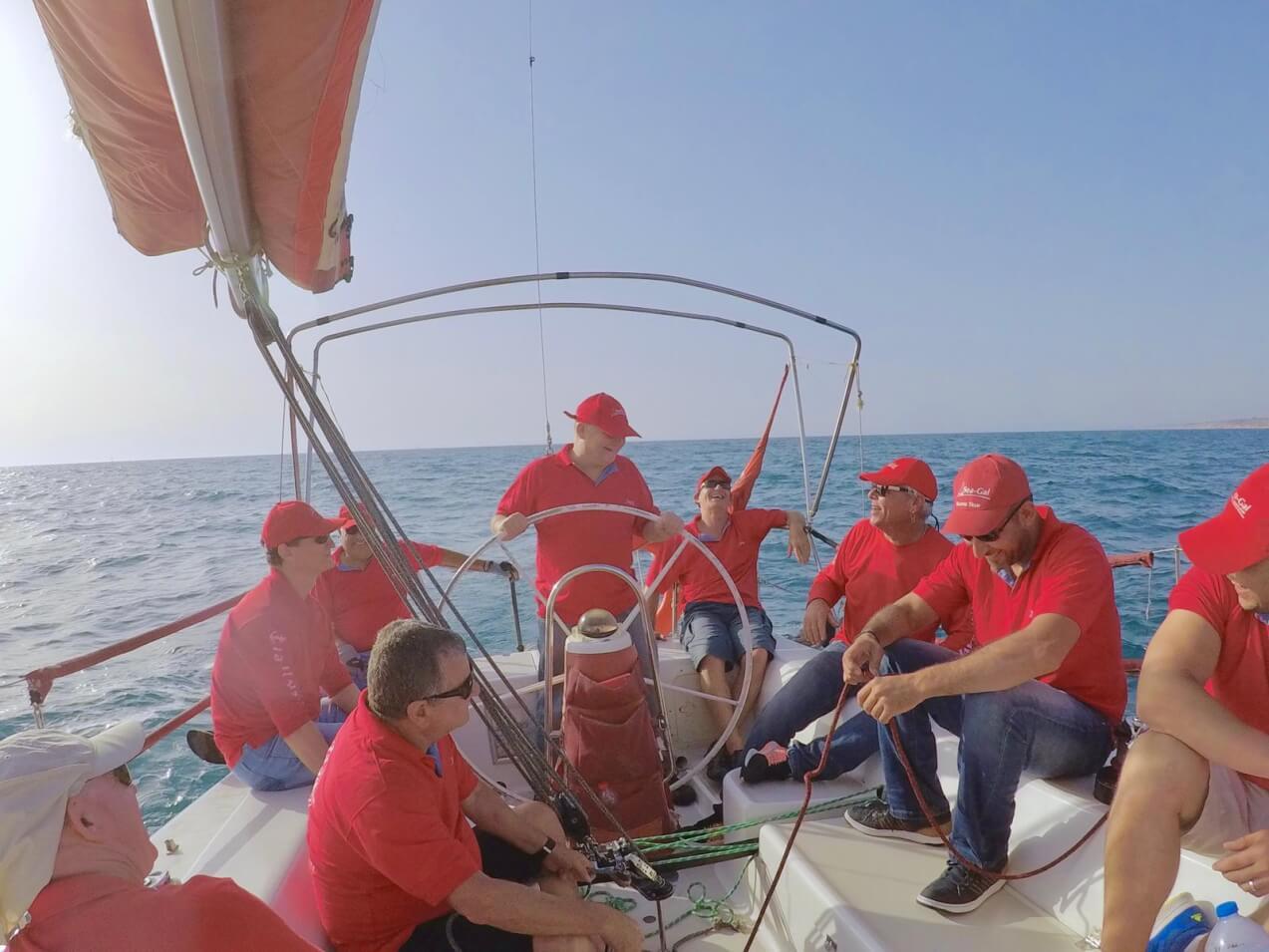 הפלגה מקצועית בים